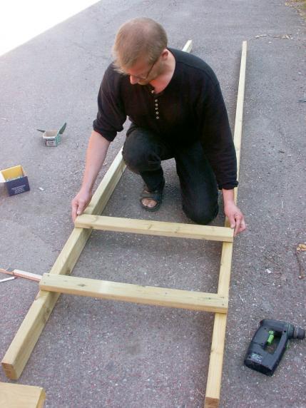 2. 40 centimeter mellan trappstegen ger en steglängd som man inte  behöver vara någon akrobat för att klara.