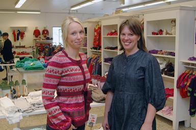 Emma Agerblom och Anna Mellgren erbjuder nu dam-, barn- och herrkläder i sin butik.