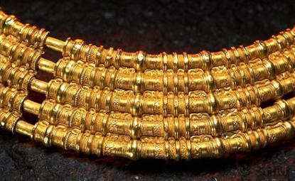 Guldhalskrage från folkvandringstiden (400-550 e.Kr)