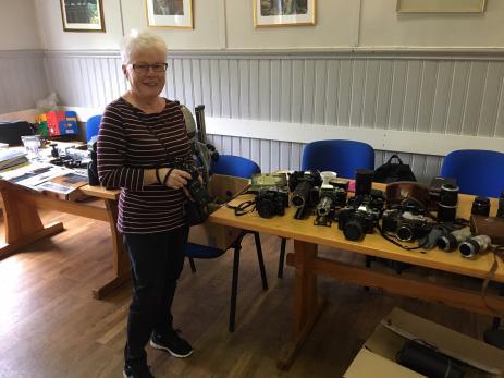 Gun Svedberg hade problem med sin kamera som hon hoppades hon kunde få lite hjälp med att lösa.