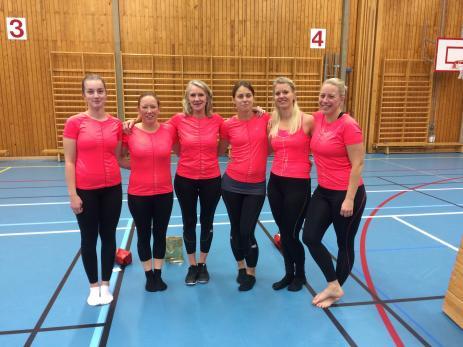 Wilma Ferm, Anna Gruner, Johanna Olsson, Paulina Olsson och Nina Gruner började på gymnastiken när de var små, och är nu själva ledare, utbildade av My Jeppsson.