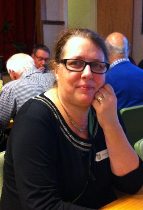 Ros-Marie Axelsson, Senior-shop