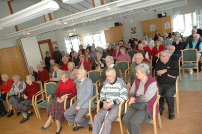 Det blev fullsatt i samlingssalen på Bollegården när kommunen, PRO, SPF, Röda Korset och Svenska Kyrkan kallade till Äldredag
