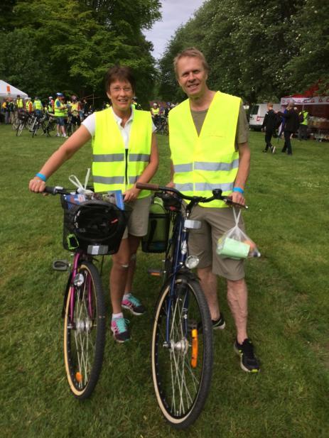 För andra året i rad cyklar Ulf Svensson och Eva Johansson. - En trevlig avkoppling och en anledning till att komma ut med cyklen, sa Ulf.