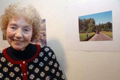 Inger Heden, glad vinnare av Bollebygds Kulturförenings fototävling.