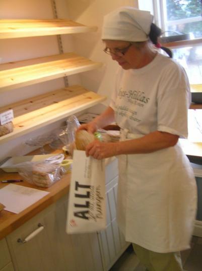 SkogsHildas bröd, ett tacksamt utökande av sortimentet som auktionerades ut denna afton..
