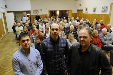 När Ilian Iliev, Ted Jankovic och Stefan Hederdal kallade till första mötet för Operation Rädda Töllsjö fylldes Ordenshuset till sista plats.