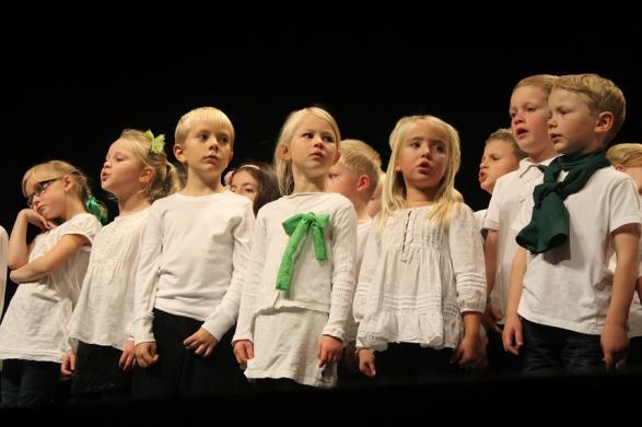 De små barnen hade kul på scenen och imponerade stort på publiken.