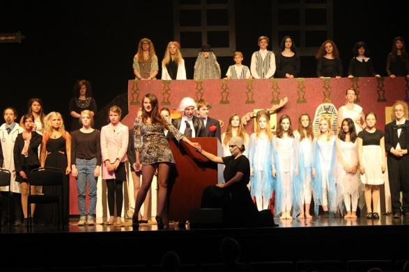 Fester Addams finner äntligen kärleken i musikalen om hans familj.