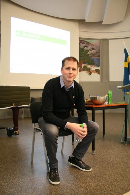 Så ser en SLANTad elev ut. Erik Lindelius visar.