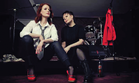 Sari Wilholm och Yvonne Wener på Brands For Fans har erfarenhet av att marknadsföra drycker för olika band. De ligger också bakom marknadsföringen av Iron Maiden-ölet TROOPER.