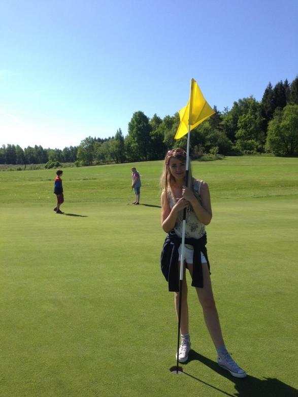 Hurra! Jasmine hittade flaggan!