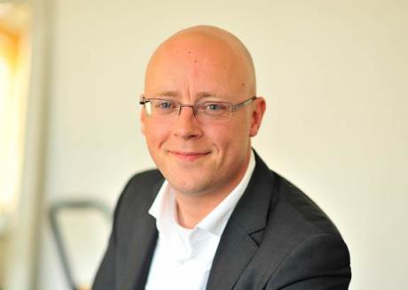 Patrik Nordkvist, grundare av Försäljningschefen, hjälper individer och företag att öka sin försäljning och vinst. Han har över 20 års erfarenhet som försäljningschef och VD på flera snabbväxande bolag och är kursledare på IHMs nya kurs Digital and Social Selling.