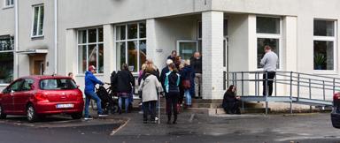 Strax före 14.00 var det kö utanför en av vallokalerna i Bollebygds kommun.