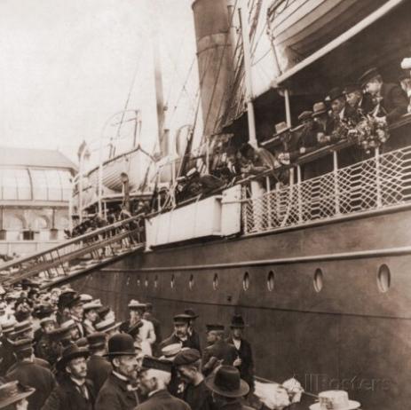 En tidstypisk bild på emigranter, tageni Oslo.