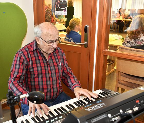 Artur Eriksson svarade för den musikaliska underhållningen.