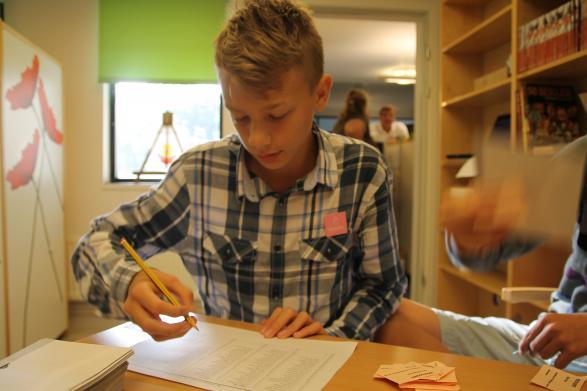 David i klass 8B stryker de elever från listan som har röstat.