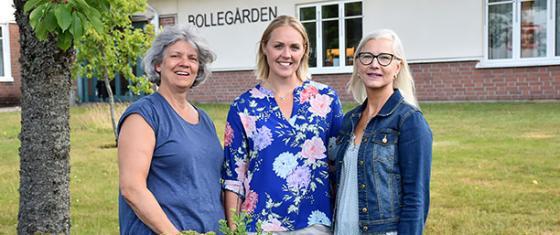 <span>Kristina Magnusson, enhetschef på Bollegårdens demensenhet, Maria Schönemann, enhetschef på Bollegårdens äldreboende och Ingela Sunneskär, verksamhetschef för hälso- och sjukvård. På bilden saknas Lotta Englund, enhetschef för hemsjukvård och korttid.</span>