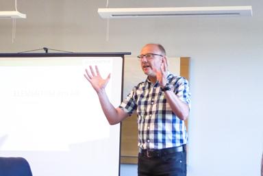 Johan Enberg, affärsutvecklare vid Elementum informerade om företaget.