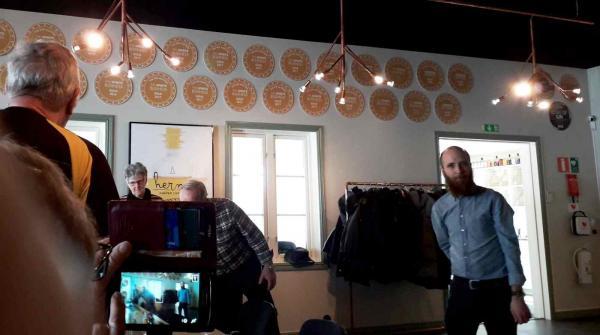 <span>Idag har Hernö Gin nio anställda och några på timbasis. Ginsorterna finns på alla Systembolagets butiker.</span>