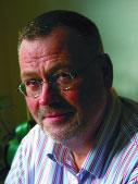 Lars Moberg är infektionsläkare vid Karolinska universitetssjukhuset, samt författare och redaktör för tidskriften Perspektiv på hiv.