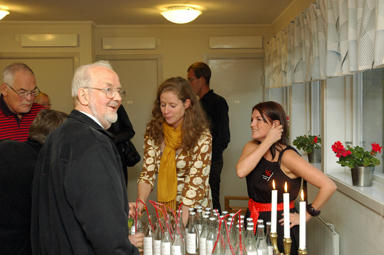 Lennart Karlsson från Våra Gårdars kulturkommitté fanns på plats när pjäsen \