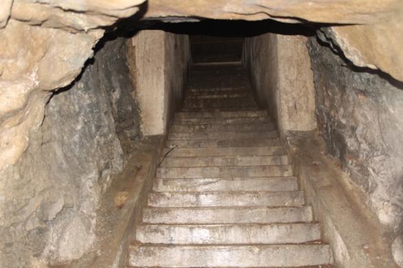 Underjordens uppgång till torget