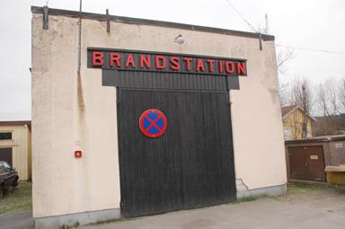 Om dryga halvåret lämnar brandvärnet i Töllsjö sin gamla brandstation och flyttar in i den nya.