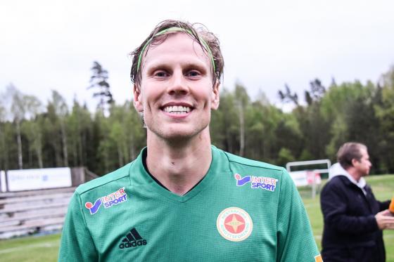 Jesper Berens gav Hestrafors IF ledningen med 2-1.