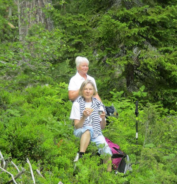 Anki och Eileen hittade en fin fikaplats