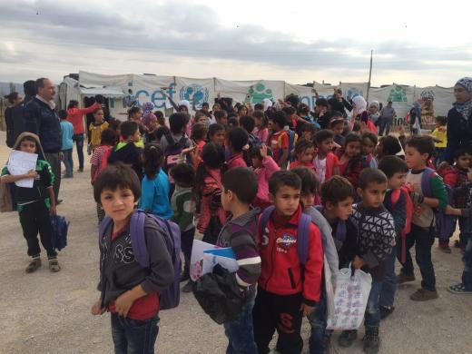 Beyond Association, en skola grundad av UNICEF vid ett flyktingläger nära gränsen till Syrien.