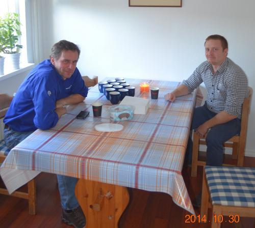 <span>Magnus Hamberg, virkesköpare &Ouml;rnsköldsvik, tel 0660-704 60</span><br /><span>Andreas Renström, virkelsköpare Höga Kusten, tel 0613-71 66 65</span>