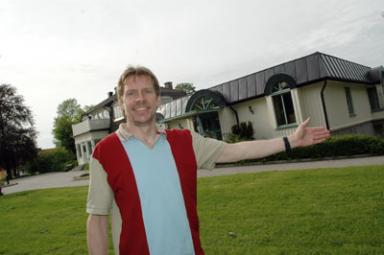Peter Rosholm hoppas att socialdemokraternas motion om en friluftsscen i biblioteksparken faller de flesta politiker i smaken.