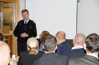 Kjell Fasth från Polisen berättade om hur man i framtiden ska organisera sig i Bollebygd för bästa resultat,