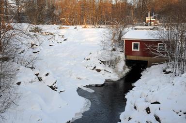 Nu i januari är det inte mycket vatten som syns vid Forssa vattenfall.