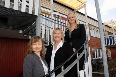 Alina Martinsson, borådgivare och mäklarna Helen Parder och Frida andeersson säljer både lägenheter, villor, gårdar och fritidshus i Bollbygd med omnejd.