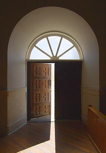 Trots högre krav står dörren till Vasaskolan lika öppen som tidigare