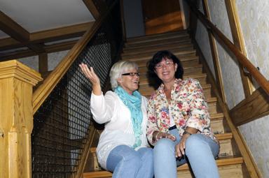 Vi tar gärna emot förslag på hur vi på bästa sätt ska göra något bra av Lyckebo, säger Karina Gustafson och Karin Eskilsby.