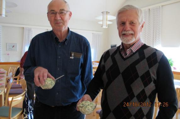 Roger Häggström och Bosse Forslund med äggröra