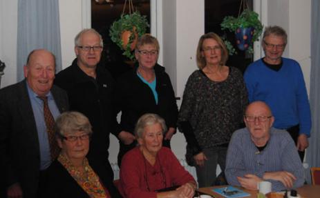 Nya styrelsen: Från vänster övre raden Sonnie Nilsson, Staffan Håkansson, Kristina Ling, Ingegerd Lindén, Ola Pagels. Nedre raden: Berith Pagels, Iréne Nilsson (sekreterare för årsmötet men avgående i styrelsen), Lars-Erik Johnsson.