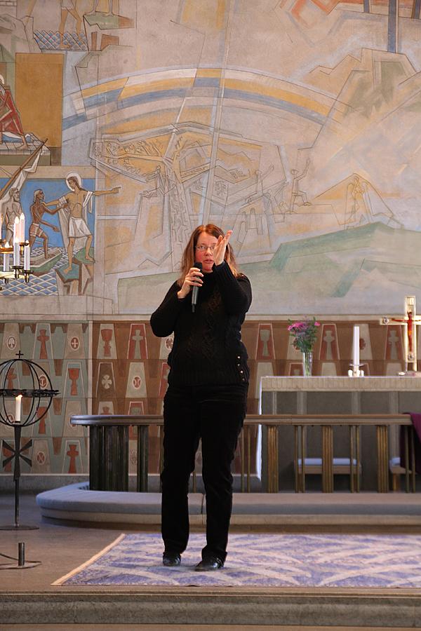 <span>Gabriella Sjöström berättade om orgeln i S.t Görans kyrka.</span>