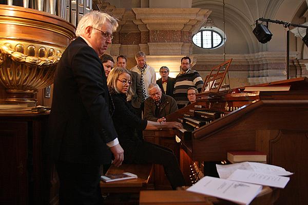 <span>Curt Carlsson och Maria Fredén demonstrerade orgeln i Gustaf Vasa tillsammans.</span>