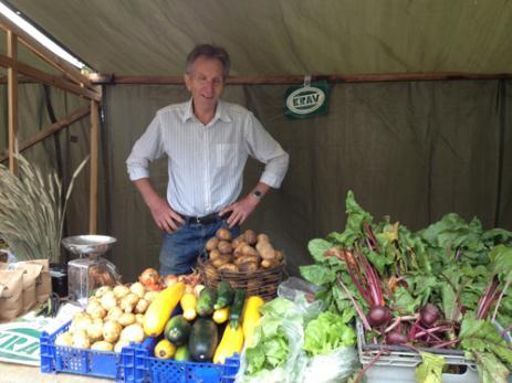 Nils-Börje Nilsson hade kommit från Hjälmsa för att sälja sina KRAV-odlade grönsaker.
