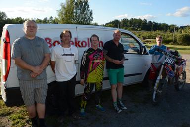 Här är fem sjundedelar av styrkan som ska skapa Nya Bollekollen.<br />Fr.v. Thord Petersson, Stefan Svensson, Rickard Svensson, Nicklas Thorsson och Andreas Svensson. Saknas på bilden gör Daniel Skarp och Christoffer Lundell.