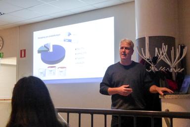 Tomas Grönesjö informerade från HP Färg och Kemi till Flügger.