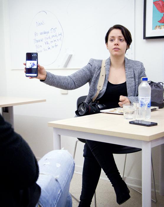 Felicia visar bilder från Tjärna Ängar, Borlänge.