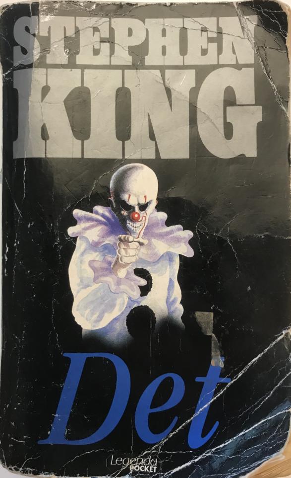 Boken är läskig men filmens specialeffekter gör filmen mycket läskigare.