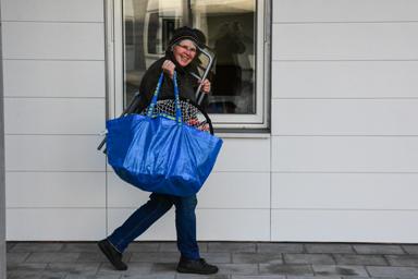 Gunilla Bergkvist hade sålt sin villa på Idrottsplatsområdet och flyttar nu in i Lyckebo.