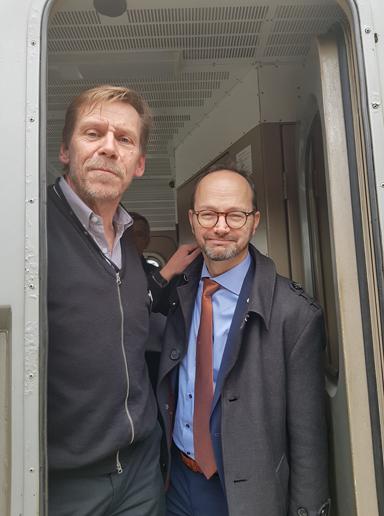 Peter Rosholm (S), kommunstyrelsens ordförande i Bollebygd men även lokförare tog med sig infrastrukturminister Tomas Eneroth i förarhytten på tåget mellan Göteborg och Borås.