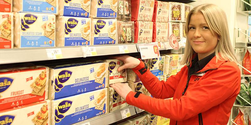 Chefar över brödet. Alicia Wikström är avdelningschef för kolonial, frys och bröd på City Centrum.